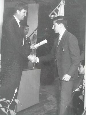 Lucho De Mayo, graduación - small